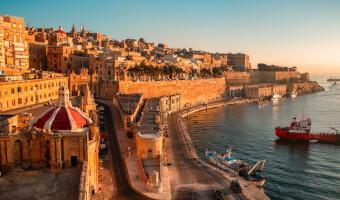 Flogferð Baku-Malta